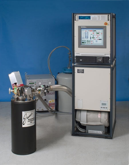 JDry-100-ACTPol in its test enclosure, attached to the automated Gas Handling System GHS4, during its tests at Janis Research.