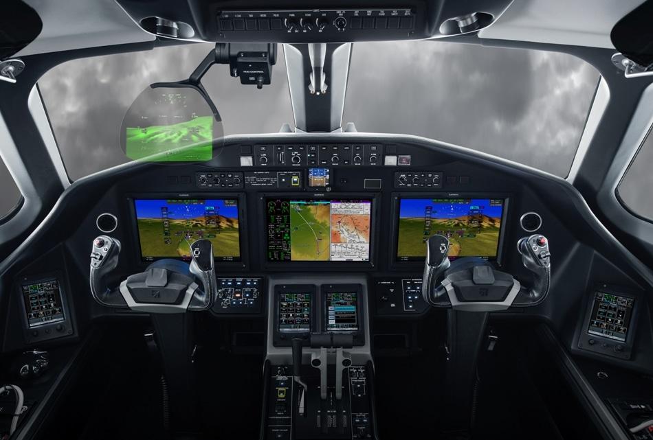 New Garmin Head-up Display Introduced for Integrated Flight Decks