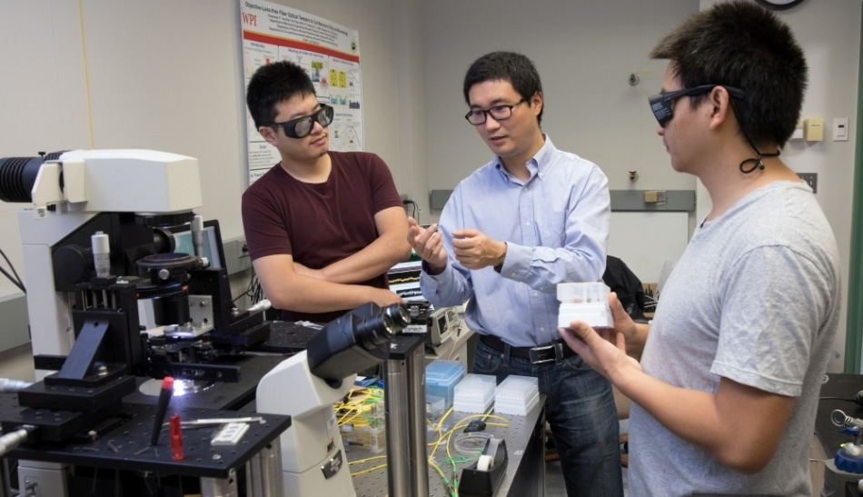 WPI Researchers Developing Miniaturized Fiber Optical Tweezers to Detect Cancer at Early Stages