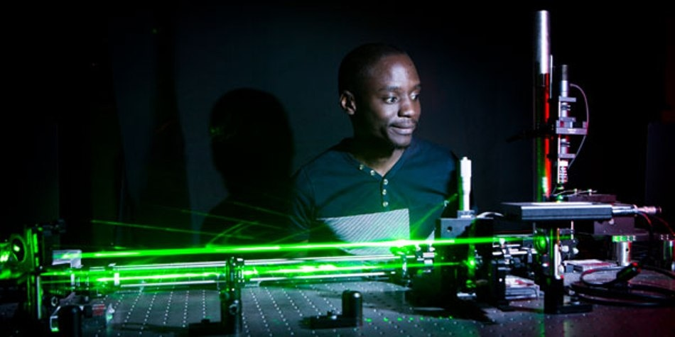 Novel Technique to Achieve Holographic Control of Light Using Optical Trapping and Tweezing