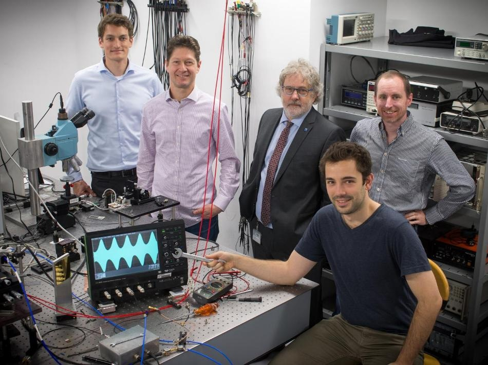 Researchers Use Frequency Combs to Enable Chemical Analysis on Tiny Spaces