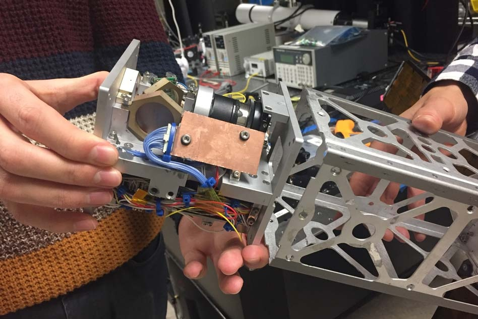MIT's Laser-Pointing Platform Could Help CubeSats Transmit Large Amounts of Data to Earth
