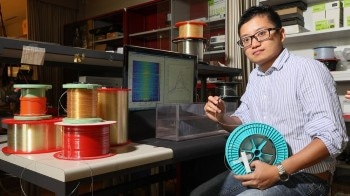 Novel Optical Fiber Can Detect Materials Surrounding Them